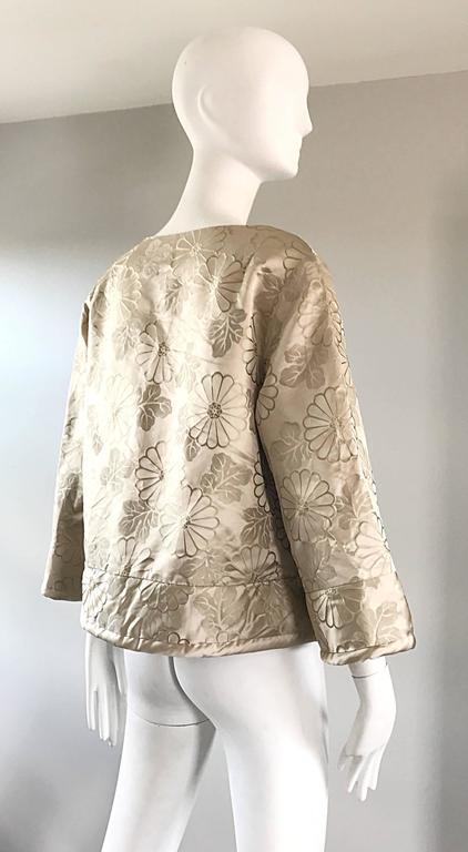 1960s Dynasty Beige Silk Flower Asian Gorgeous Vintage 60s Swing Jacket  6
