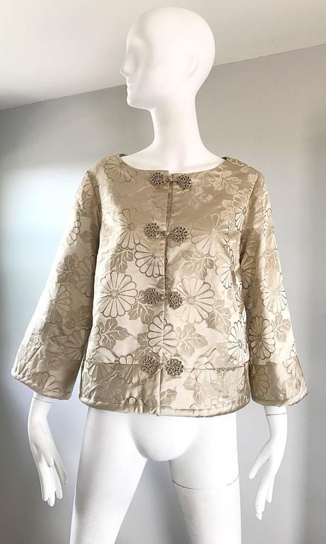 1960s Dynasty Beige Silk Flower Asian Gorgeous Vintage 60s Swing Jacket  9