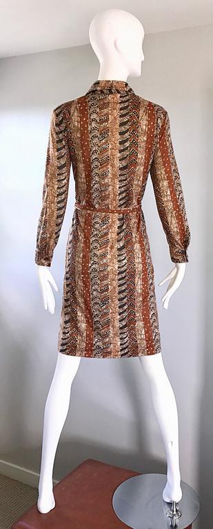 Women's Bonwit Teller 1970s Batik Print Belted Cotton 70s Vintage Brown Safari Dress  For Sale
