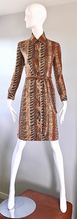 Bonwit Teller 1970s Batik Print Belted Cotton 70s Vintage Brown Safari Dress  For Sale 2