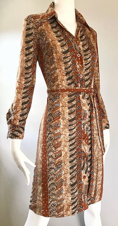 Bonwit Teller 1970s Batik Print Belted Cotton 70s Vintage Brown Safari Dress  For Sale 3