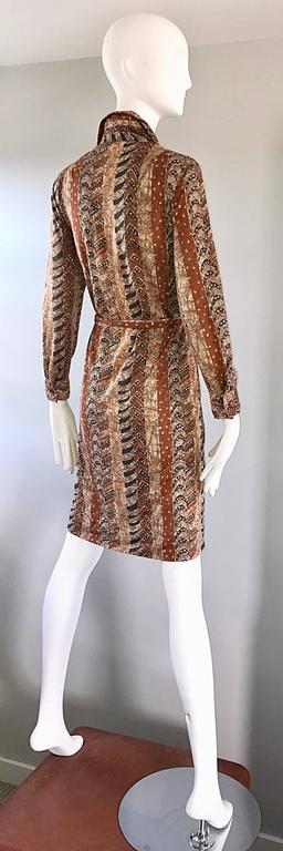 Bonwit Teller 1970s Batik Print Belted Cotton 70s Vintage Brown Safari Dress  For Sale 4
