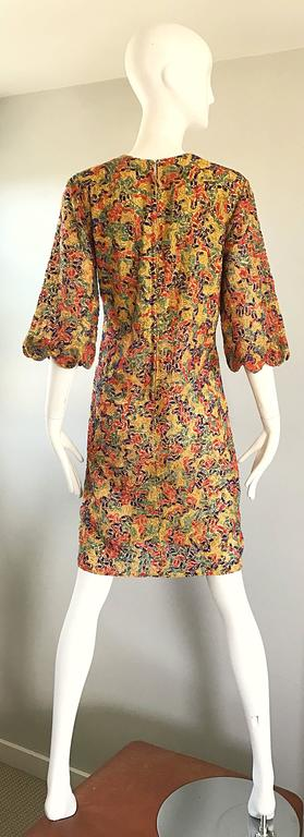 Women's Amazing 1960s Colorful 60s Vintage Mod Shift Dress w/ Scalloped Bell Sleeves For Sale