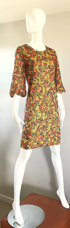 Amazing 1960s Colorful 60s Vintage Mod Shift Dress w/ Scalloped Bell Sleeves For Sale 3