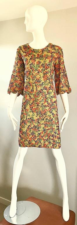 Amazing 1960s Colorful 60s Vintage Mod Shift Dress w/ Scalloped Bell Sleeves For Sale 5
