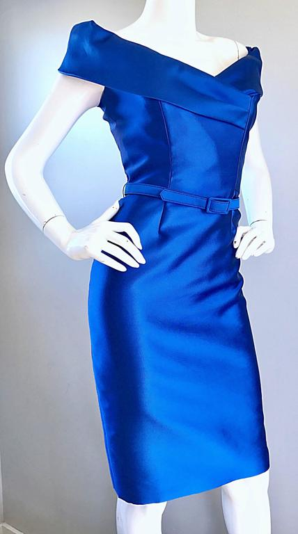 Catherine Regehr Saks 5th Ave Royal Blue Silk Off - Shoulder Belted Dress Size 6 In Excellent Condition For Sale In Chicago, IL