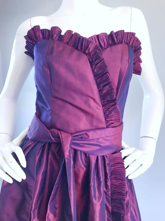 Vintage Victor Costa for Neiman Marcus Purple Metallic Silk Taffeta Dress + Belt In Excellent Condition For Sale In San Francisco, CA