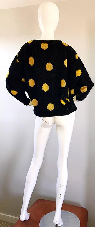 Rare Vintage Gianni Versace Early 1980s Intarsia Black Yellow Polka Dot Sweater For Sale 2