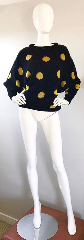 Rare Vintage Gianni Versace Early 1980s Intarsia Black Yellow Polka Dot Sweater For Sale 5