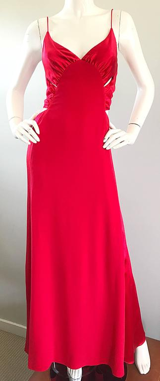 1990s Angel Sanchez Size 6 Vintage Lipstick Red Cut Out Silk Satin Evening Gown For Sale 3