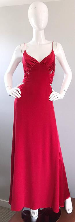 1990s Angel Sanchez Size 6 Vintage Lipstick Red Cut Out Silk Satin Evening Gown For Sale 5