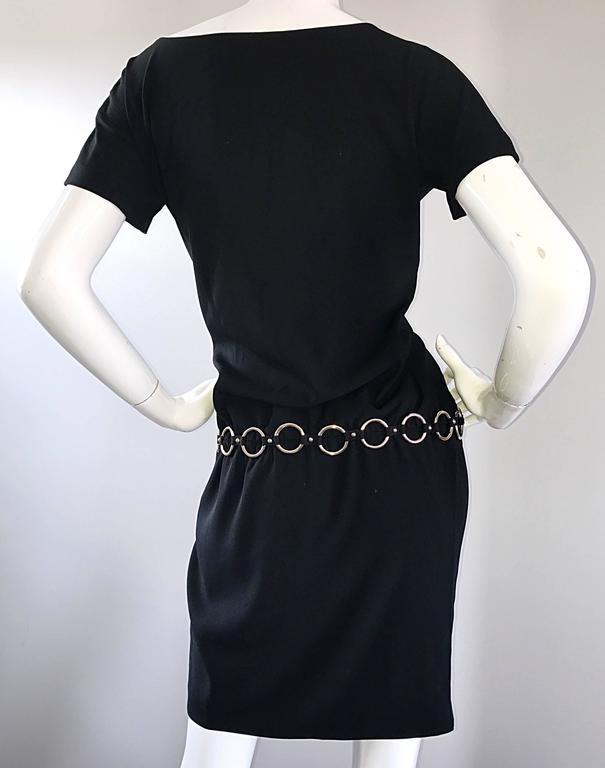 1990s Moschino Cheap & Chic Black Silver Chain Loop Belt Vintage Dress Size 6  For Sale 2