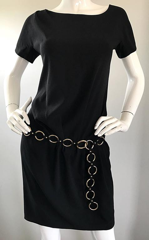 1990s Moschino Cheap & Chic Black Silver Chain Loop Belt Vintage Dress Size 6  For Sale 1