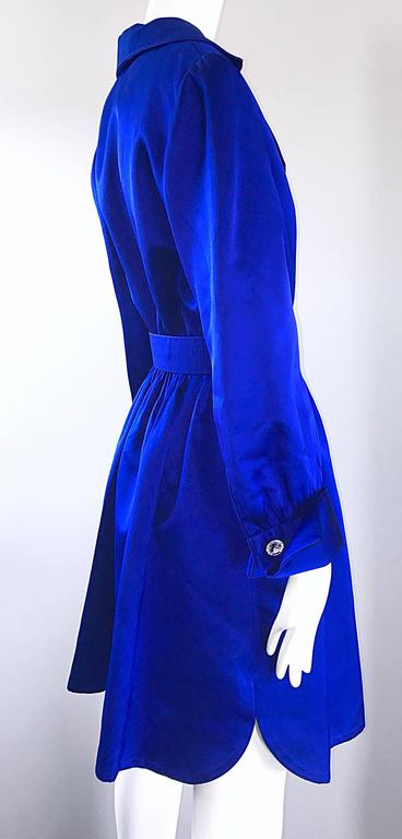 Gorgeous Bill Blass Couture Vintage 1970s Royal Blue Silk Satin Belted 70s Dress For Sale 3