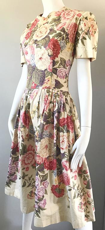 Beautiful 1980s does 1950s Hand Painted Floral Puff Sleeve Vintage 80s Dress In Excellent Condition For Sale In Chicago, IL