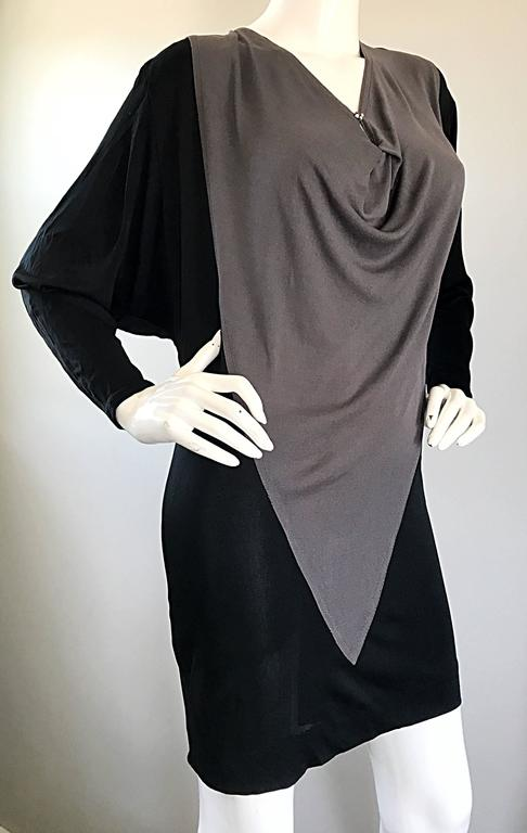 Women's 1990s C.D. Greene Black and Gray Colorblock Dolman Sleeve Vintage Jersey Dress For Sale