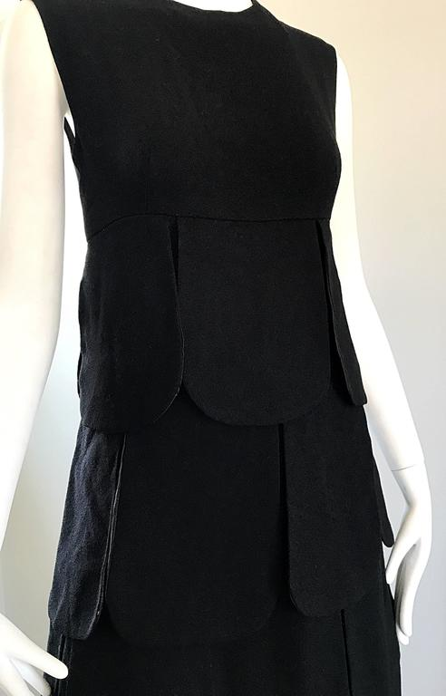 1960s Pierre Cardin Haute Couture Space Age Mod Black Wool Vintage 60s Dress In Excellent Condition For Sale In Chicago, IL