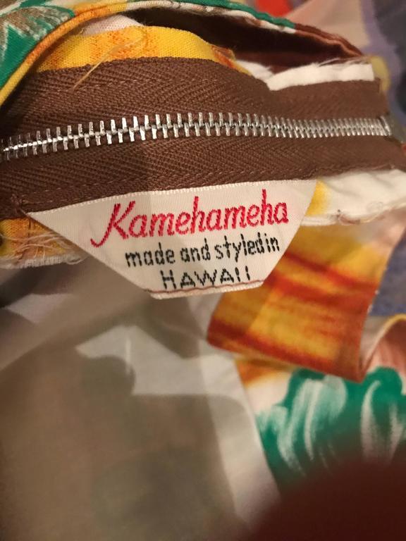 1950s Kamehameha Hawaiian Beautiful Hand Painted Vintage 50s Cotton Wrap Dress For Sale 5