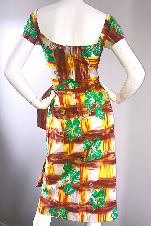 1950s Kamehameha Hawaiian Beautiful Hand Painted Vintage 50s Cotton Wrap Dress In Excellent Condition For Sale In Chicago, IL