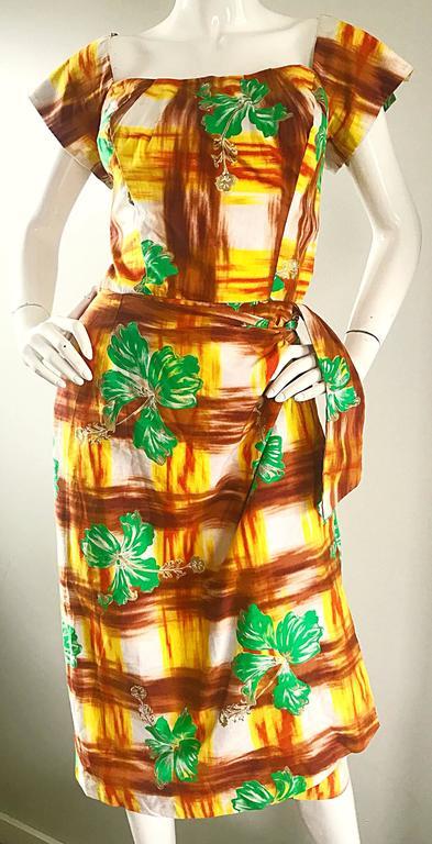 1950s Kamehameha Hawaiian Beautiful Hand Painted Vintage 50s Cotton Wrap Dress For Sale 1