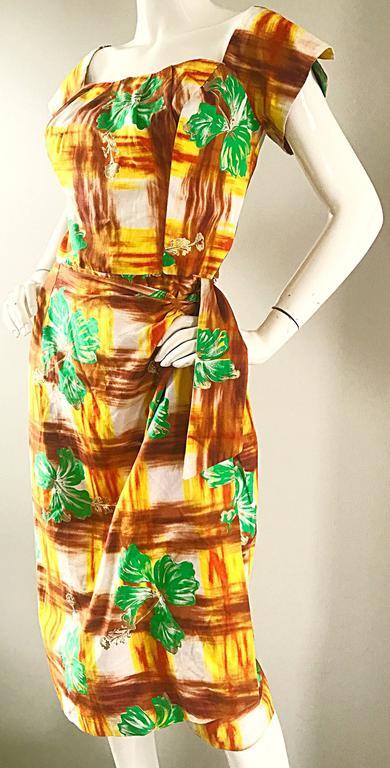 1950s Kamehameha Hawaiian Beautiful Hand Painted Vintage 50s Cotton Wrap Dress For Sale 3