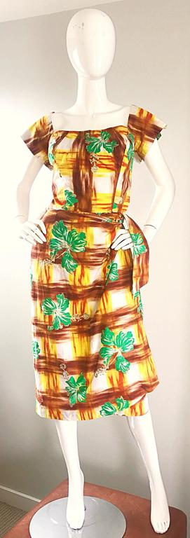 1950s Kamehameha Hawaiian Beautiful Hand Painted Vintage 50s Cotton Wrap Dress For Sale 4