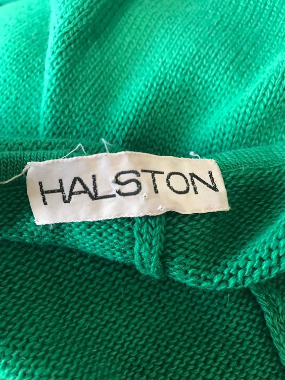 Halston Kelly Green Fabulous Signature Knit Dramatic Sweater Cape, 1970s For Sale 6