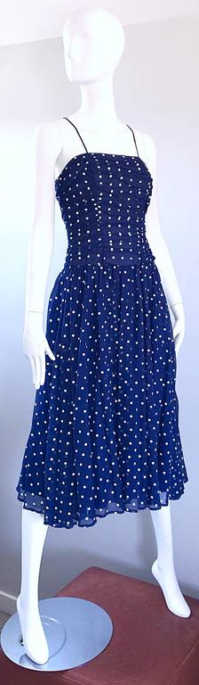 Chic Vintage Navy Blue and White Hand Painted Polka Dot Sleeveless Ruched Dress In Excellent Condition For Sale In Chicago, IL