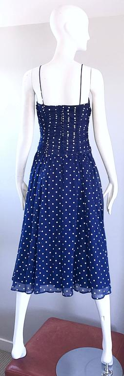 Women's Chic Vintage Navy Blue and White Hand Painted Polka Dot Sleeveless Ruched Dress For Sale