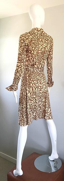 ef4460f9bc 1970s Diane Von Furstenberg Iconic Heart Print Signature Vintage 70s Wrap  Dress For Sale 3