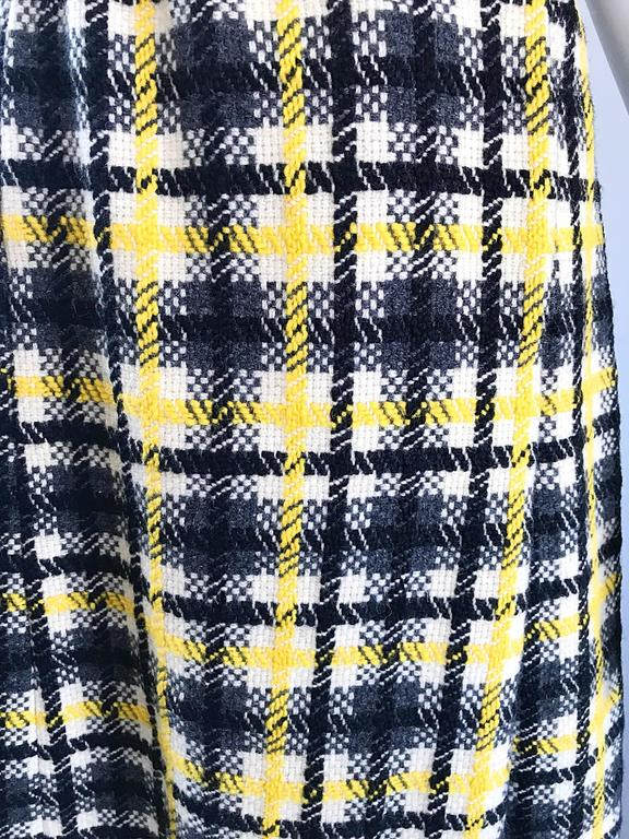 1960s Yellow, Gray, Black, White Wool Plaid Vintage 60s Wrap Style A Line Dress In Excellent Condition For Sale In Chicago, IL