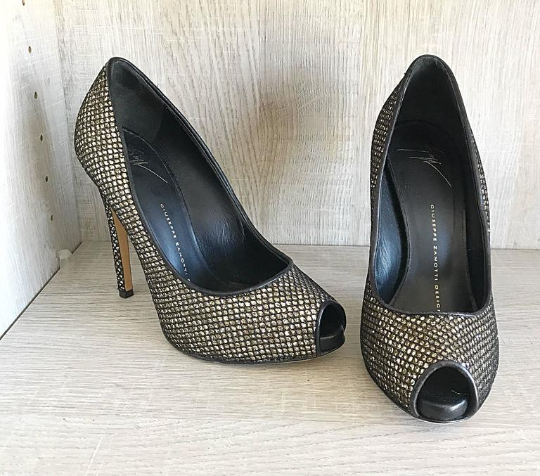 Giuseppe Zanotti Black and Silver Glitter Size 37 / 7 Peep Toe Shoes High Heels  8