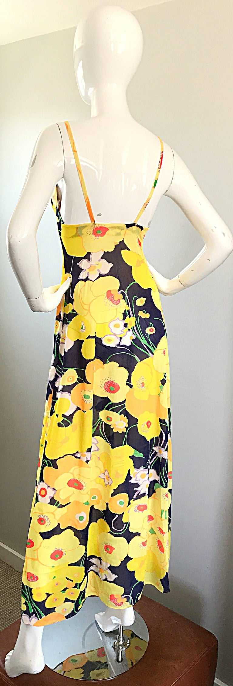 Amazing 1970s Christian Dior Flower Print Vintage 70s Maxi Dress and Jacket Set In Excellent Condition For Sale In San Francisco, CA
