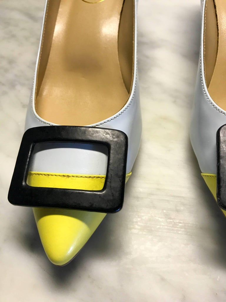Roger Vivier Size 37 7 Pale Blue And Yellow Low Heel
