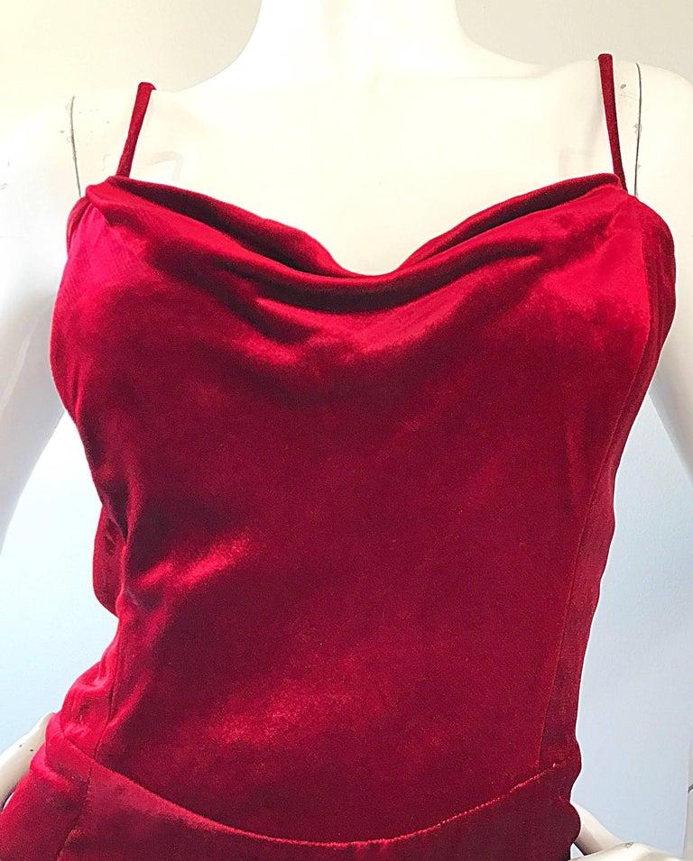 Giorgio Armani Collezioni Vintage Crimson Red Silk Velvet Gown Size 8, 1990s In Excellent Condition For Sale In Chicago, IL
