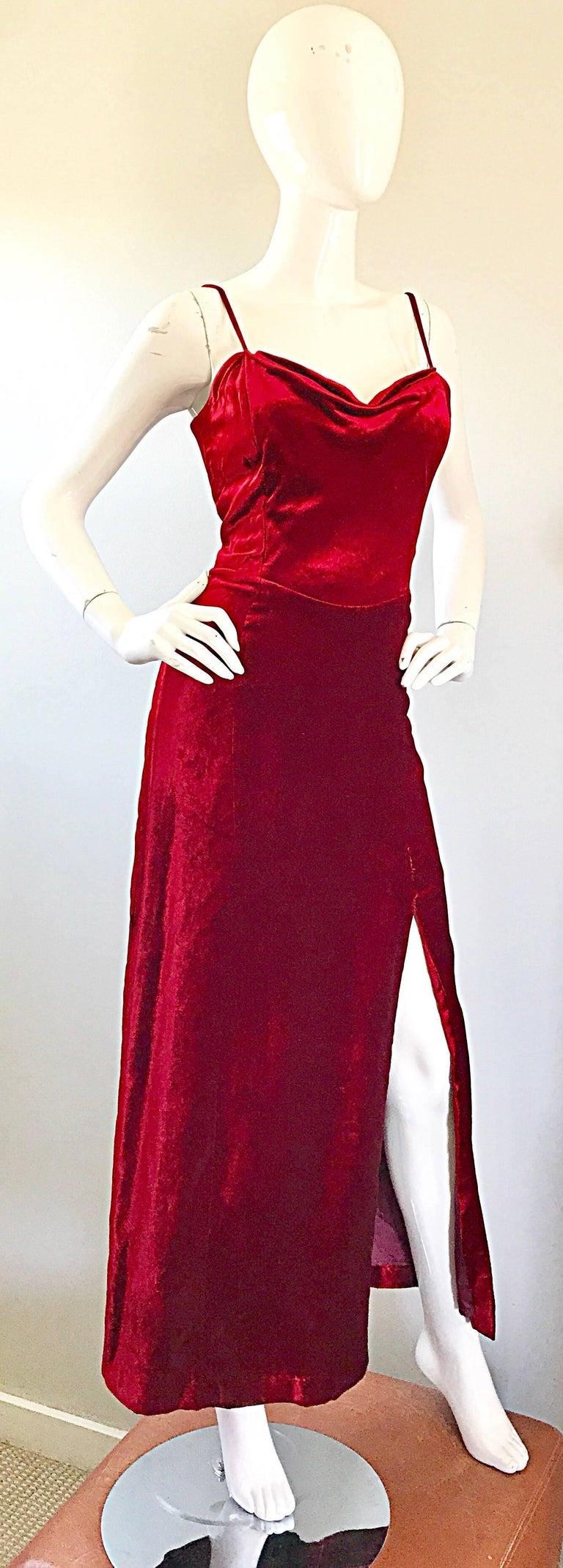 Giorgio Armani Collezioni Vintage Crimson Red Silk Velvet Gown Size 8, 1990s For Sale 2