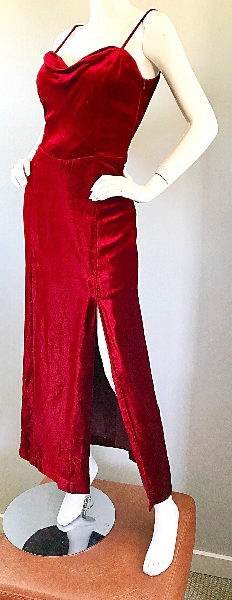 Giorgio Armani Collezioni Vintage Crimson Red Silk Velvet Gown Size 8, 1990s For Sale 3