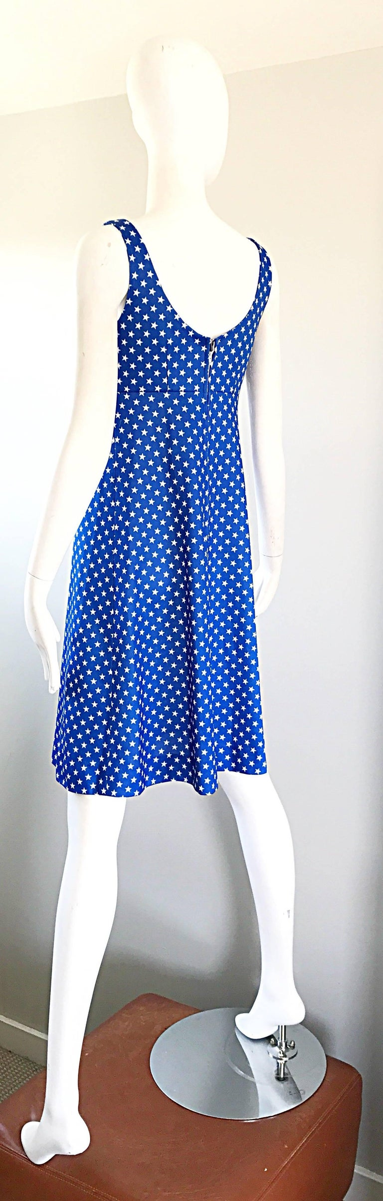 1960s Royal Blue and White Star Print A - Line Novelty Vintage 60s Dress For Sale 3