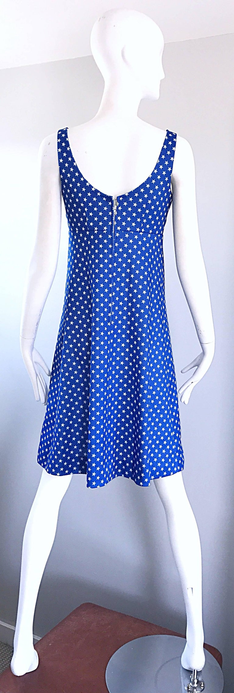1960s Royal Blue and White Star Print A - Line Novelty Vintage 60s Dress For Sale 4