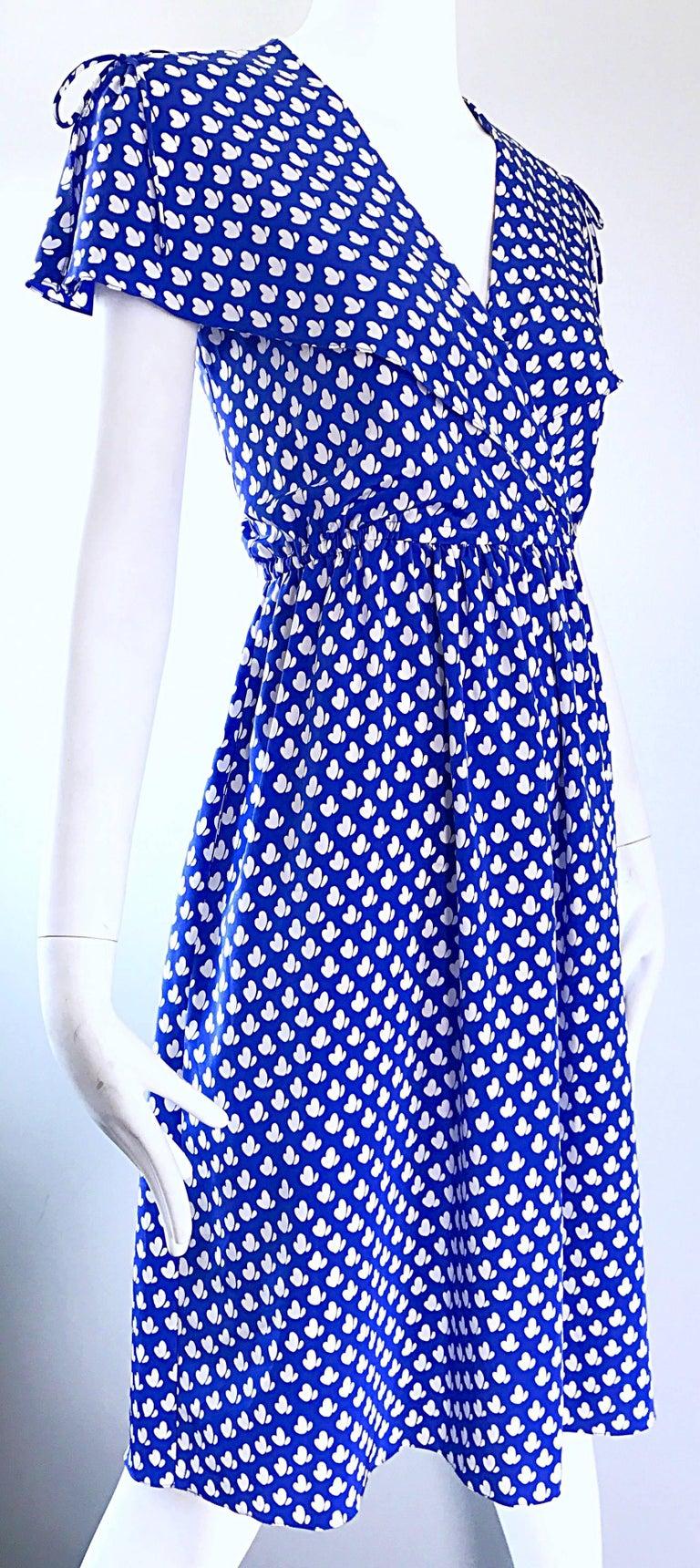 Women's Vintage Pierre Cardin 1970s Blue + White Heart Print Flutter Sleeve 70s Dress For Sale