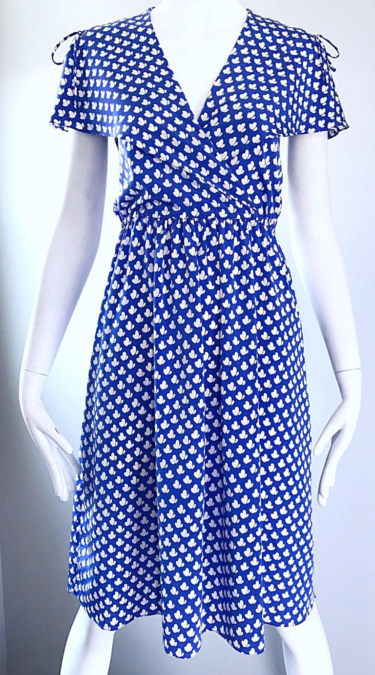 Vintage Pierre Cardin 1970s Blue + White Heart Print Flutter Sleeve 70s Dress For Sale 2