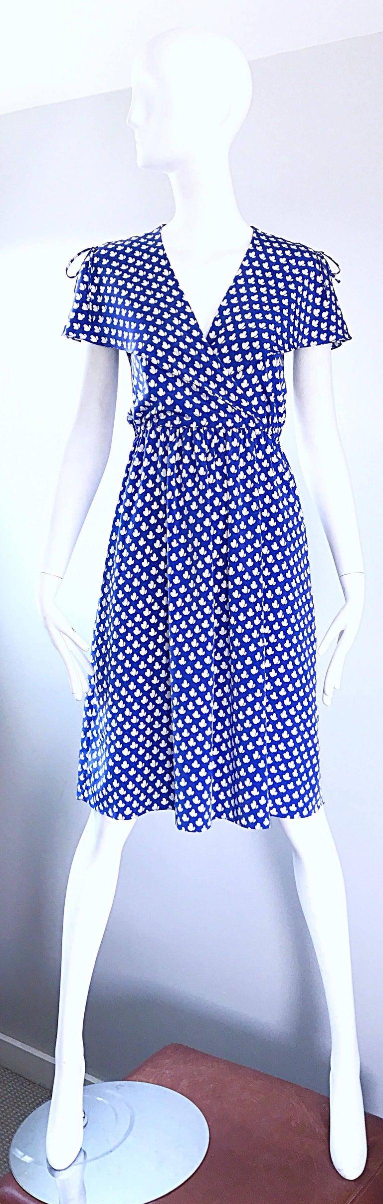 Vintage Pierre Cardin 1970s Blue + White Heart Print Flutter Sleeve 70s Dress For Sale 4