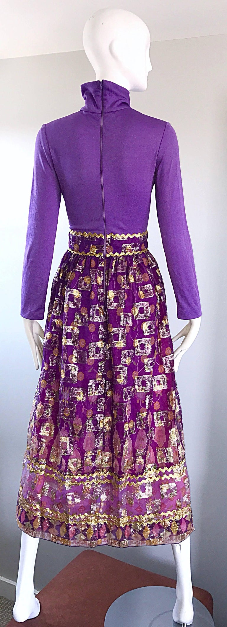 Beautiful 1970s Purple Lavender Ethnic Batik Print High Neck Vintage Midi Dress For Sale 2