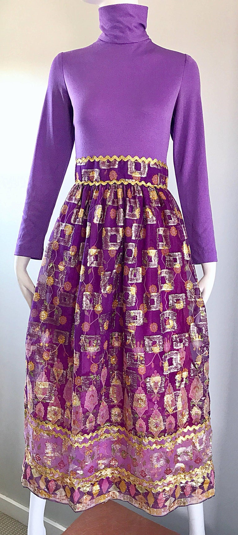 Beautiful 1970s Purple Lavender Ethnic Batik Print High Neck Vintage Midi Dress For Sale 3