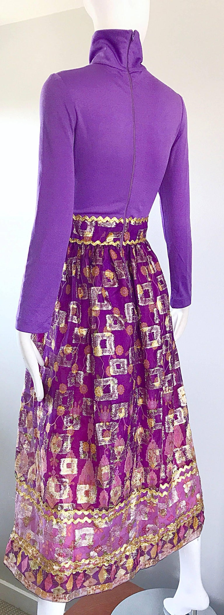 Beautiful 1970s Purple Lavender Ethnic Batik Print High Neck Vintage Midi Dress For Sale 4
