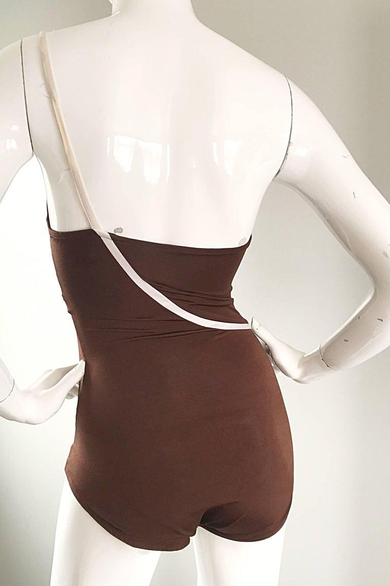 1970s Bill Blass Brown White One Shoulder Vintage One Piece Swimsuit Bodysuit For Sale 2