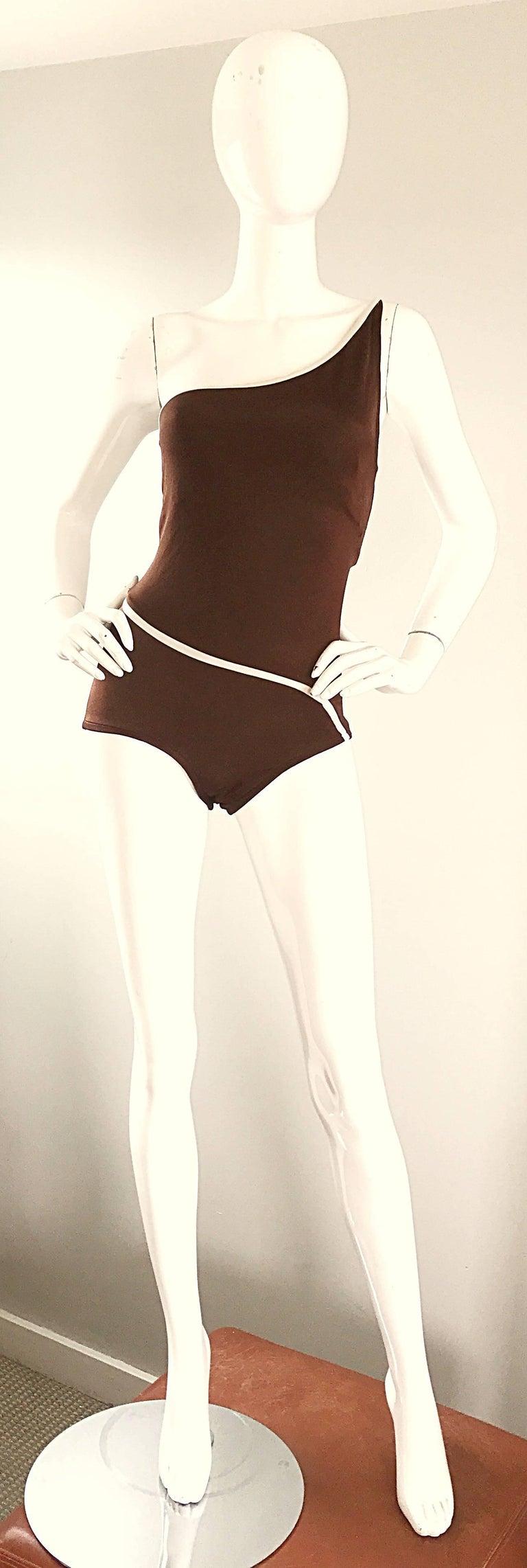 1970s Bill Blass Brown White One Shoulder Vintage One Piece Swimsuit Bodysuit For Sale 4