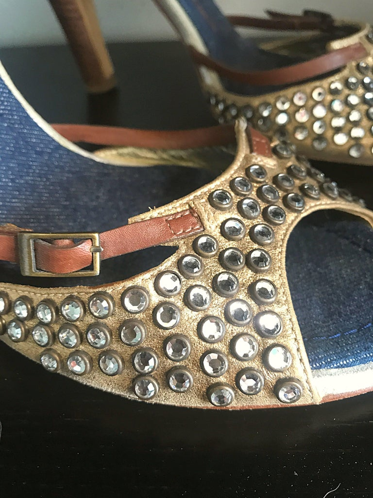 Women's Giuseppe Zanotti Size 39 / 9 Gold Bronze and Brown Rhinestone Studded High Heels For Sale