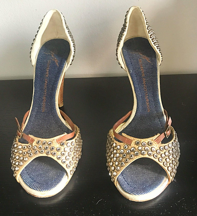 Giuseppe Zanotti Size 39 / 9 Gold Bronze and Brown Rhinestone Studded High Heels For Sale 1