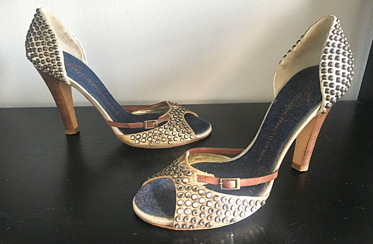 Giuseppe Zanotti Size 39 / 9 Gold Bronze and Brown Rhinestone Studded High Heels For Sale 3